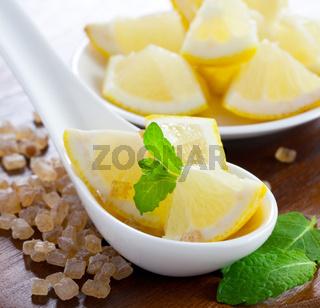 Zitrone, Zucker und Minze / lemon, sugar and mint