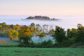 Burgund im Nebel  - Burgundy in morning mist, France