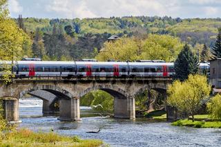 Zug von Abellio Mitteldeutschland bei Bad Kösen