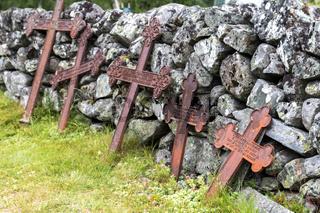 Alte Eisenkreuze