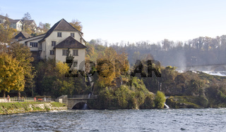 Am Rheinfall in Neuhausen bei Schaffhausen, Schweiz