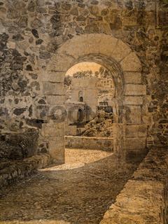 Postkarte im vintage look von einem Torbogen mit Blick auf die Brücke San Martin, Toledo, Spanien
