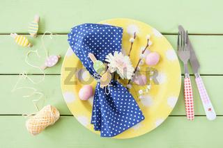 Tischgedeck zu Ostern