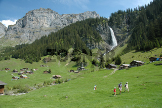 Alpweide mit Wasserfall / Pasture with waterfall