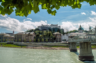 Österreich, Salzburg, Altstadt und Salzach