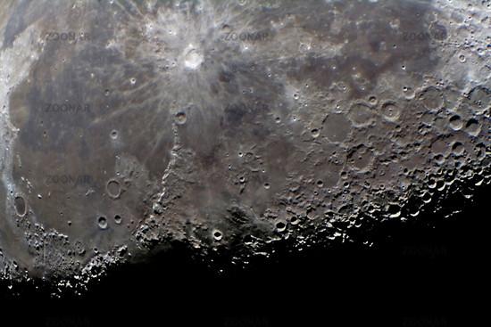 Mondregion mit Terminator - part of the moon