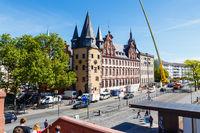 Historisches Museum Frankfurt, dem Main zugewandte Seite. Blick vom Eisernen Steg. 16. Mai 2017.