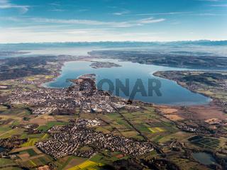 Bodensee aus Westen mit Sicht bis zu den Alpen