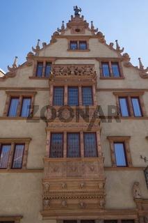 Colmar, Historischer Erker am Maison des Têtes, Place de l'Ancienne Douane