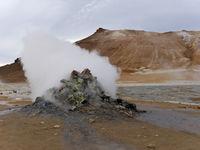 Fumarole im Hochtemperaturgebiet Hverarönd am Namafjall in Island