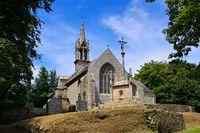 Chapelle Notre Dame de Bonne Nouvelle in Locronan in der Bretagne, Frankreich - Chapelle Notre Dame de Bonne Nouvelle in Locronan, medieval village in Brittany, France