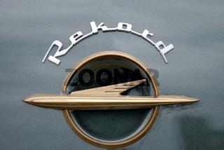 Opel Rekord Schriftzug und Logo