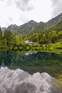 Christlessee, ein Bergsee im Trettachtal, bei Oberstdorf, Oberallgäu, Allgäu, Bayern, Deutschland, Europa
