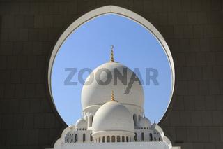 Abu Dhabi, Sheikh Zayed Grand Mosque, Kuppeln und Bogen