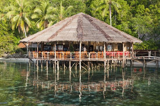Restaurant im Papua Explorers Resort, Indonesien