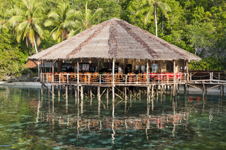 Restaurant im Papua Explorers Resort, Indonesien