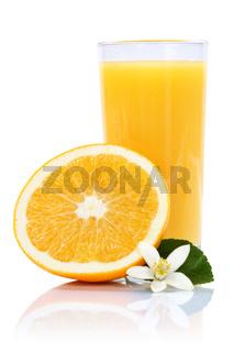 Orangensaft Orangen Saft Orange Fruchtsaft freigestellt Hochformat Freisteller isoliert Frucht Früchte