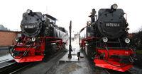 Zwei Dampflokomotiven