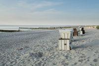 Strand und strandkoerbe, Ahrenshoop, Mecklenburg-Vorpommern, Deutschland