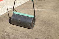 gewalzter Boden für Rollrasen im Garten