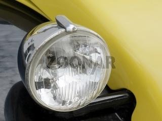 Scheinwerfer an einer 2CV Citroen - Ente