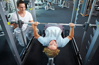 Gewichtheben mit Personal Trainer