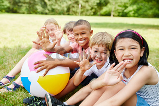 Kinder im internationalen Kindergarten