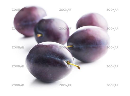 Fresh ripe plums.