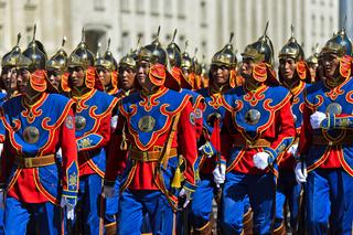 Ehrengarde der mongolischen Streitkräfte in traditioneller Uniform, Ulan-Bator, Mongolei