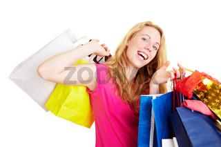 Tanzen mit Einkaufstaschen
