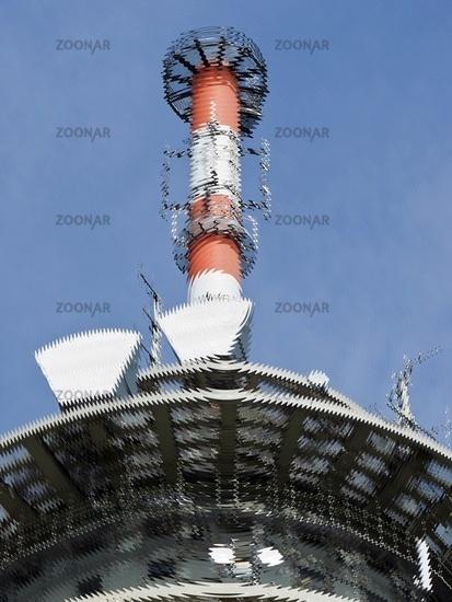 Funkmast mit Sende- und Empfangseinheiten einer Funkstelle mit Wellendarstellung