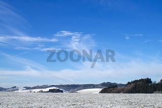 Tal im Schnee unter blauem Himmel Landschaft - Landscape