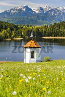 Bayern Landschaft mit Kapelle