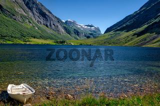 Ein Bergsee in Norwegen
