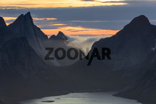 Sommernacht, Kjerkfjorden, Moskenesoeya, Lofoten