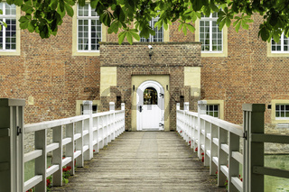 Brücke zur Burg Hülshoff, bei Havixbeck, NRW, Deiutschland