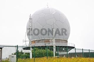 Zeitzeugniss des kalten Krieg die ehemalige Radarkuppel auf der Wasserkuppe Rhön