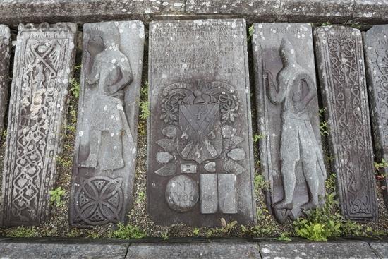 Mittelalterliche Grabplatten bei Kilmartin