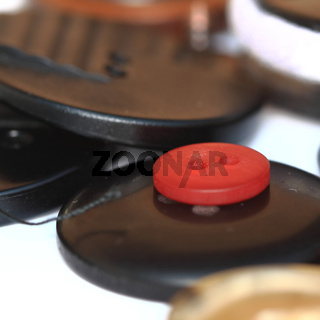 Kleiner roter Knopf