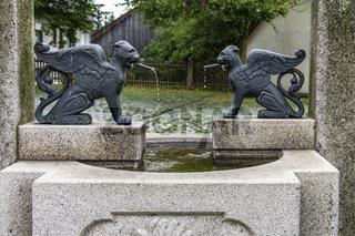 Obermurach, Dorfbrunnen unterhalb der Burgruine 'Haus Murach'