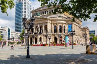 Frankfurt am Main, die Alte Oper. Mai 2017.