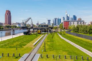Frankfurt am Main, Ansicht von der Deutschherrnbrücke. 16. Mai 2017.
