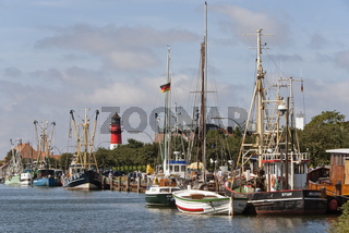 Hafen mit Leuchtturm von Buesum