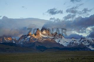 Morgenstimmung am Fitz Roy Massiv, Argentinien, sunrise at Fitz Roy massiv, Argentina