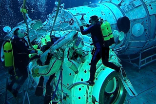 Astronaut Michael Barratt in the Hydrolab pool