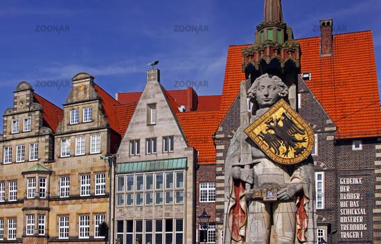 Am Marktplatz in Bremen, mit Rolandstatue