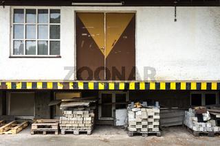 Laderampe in einer alten Seifenfabrik