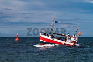 Fischerboot auf der Ostsee während der Hanse Sail
