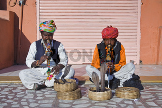 Schlangenbeschwörer in Nordindien, Indien, Asien - serpent charmers in North India, India, Asia