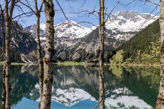 Fruehling am Vilsalpsee, Tannheimer Tal, Oesterreich, Tirol